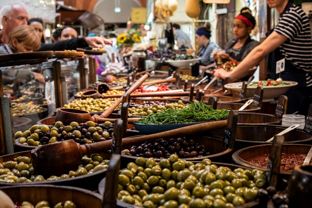 CMK__English-Market_Olive-Stall_0995