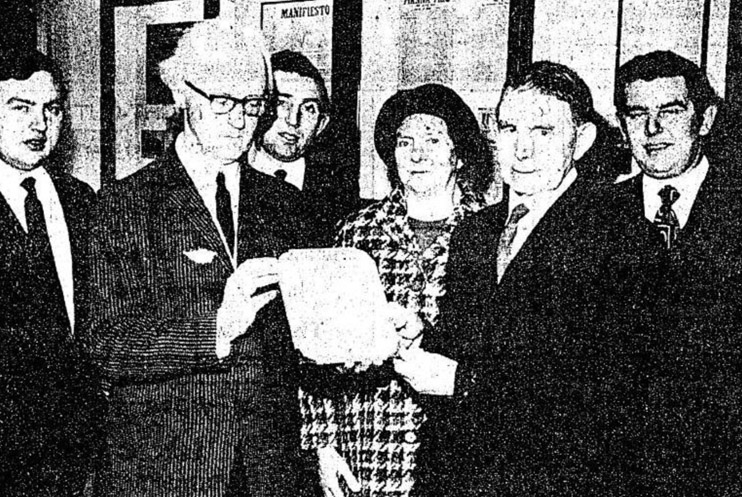 Seamus-OCoigligh-being-Presented-the-Death-Sentence-of-Denis-Murphy-1971-copy-1
