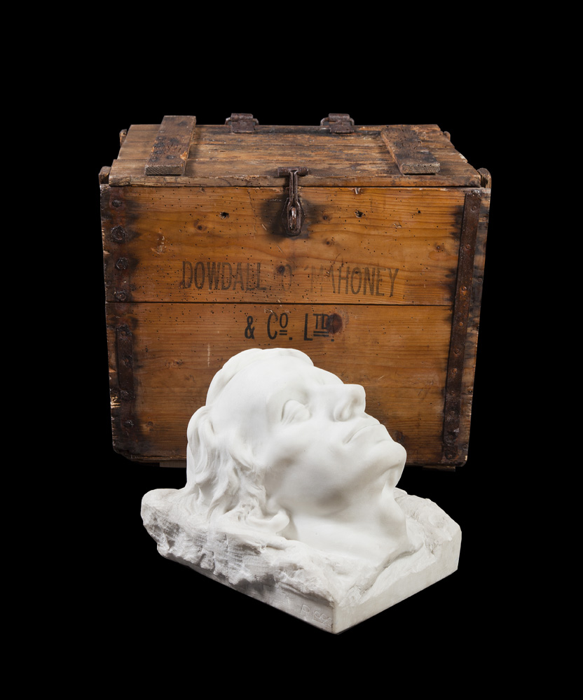 Wooden-Box-and-Marble-Sculpture-containing-the--Death-Mask-of-Terence-MacSwiney-by-Albert-Power