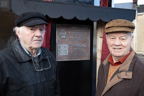 Dillons-Cross-Plaque-Unveiling