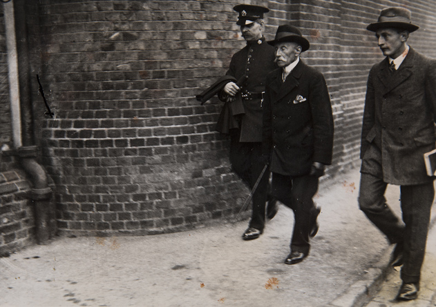 Doctor-Hyde-visits-Terence-MacSwiney-at-Brixton-Prison