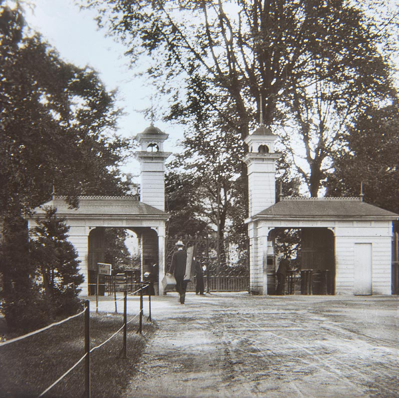 Entrance to the International Exhibition, 1902-03